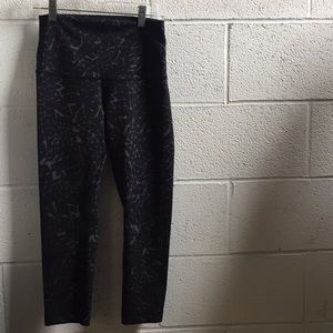 lululemon athletica Pants - Lululemon black and gray legging, sz 6, 58876